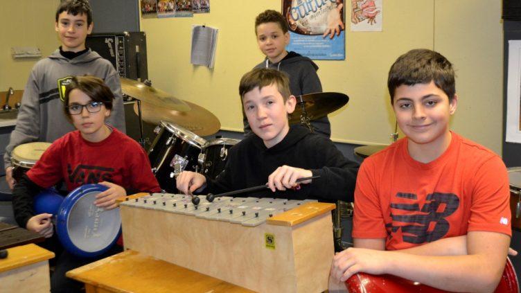 602 (bis) : les chicos jouent de la musique!